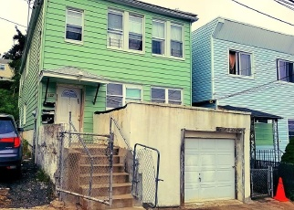 Foreclosed Home en VINEYARD AVE, Yonkers, NY - 10703