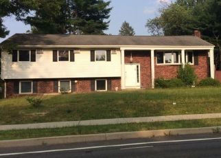 Foreclosed Home en PEARL DR, Monsey, NY - 10952