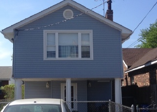 Foreclosed Home en TIERNEY PL, Bronx, NY - 10465