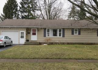 Foreclosed Home en GEMINI CIR, Rochester, NY - 14606