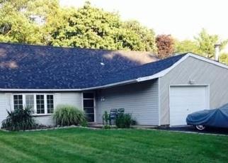 Foreclosed Home en SPLIT CEDAR DR, Islandia, NY - 11749
