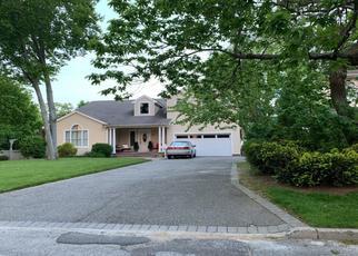 Foreclosed Home en ELMER ST, Wantagh, NY - 11793