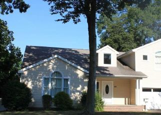 Foreclosed Home in ELMER ST, Wantagh, NY - 11793
