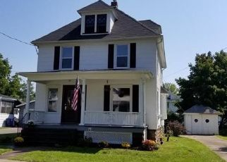 Foreclosed Home en TROY ST, Seneca Falls, NY - 13148