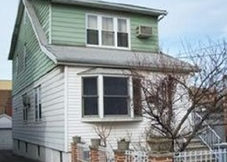 Foreclosed Home en ROBERTS AVE, Bronx, NY - 10461