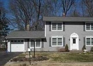 Foreclosed Home en SPARROW LN, Pearl River, NY - 10965