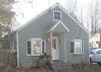 Foreclosed Home en HANCOCK ST, Islandia, NY - 11749