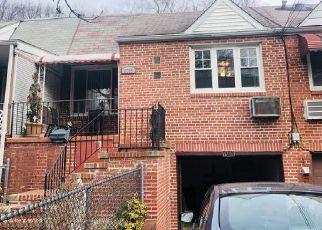 Foreclosed Home en ALDERTON ST, Rego Park, NY - 11374