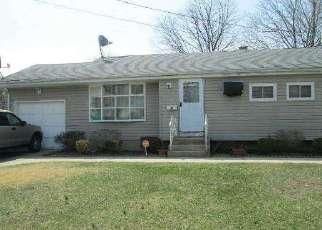 Casa en ejecución hipotecaria in Brentwood, NY, 11717,  RUTLEDGE ST ID: P1180851
