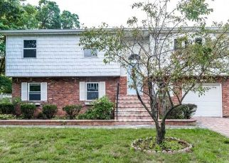 Foreclosed Home en THE BLVD, Amityville, NY - 11701