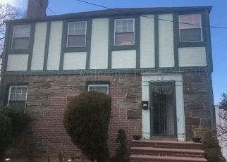 Foreclosed Home in S COTTAGE ST, Valley Stream, NY - 11580