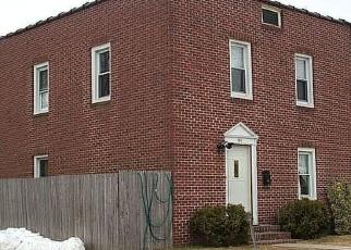 Foreclosed Home en DIVISION ST, Farmingdale, NY - 11735