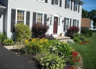 Foreclosed Home en APPLEWOOD DR, Rochester, NY - 14612