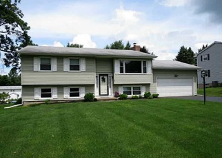 Foreclosed Home en MATTHEW DR, Fairport, NY - 14450