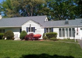 Casa en ejecución hipotecaria in Brightwaters, NY, 11718,  MOHAWK DR ID: P1182925
