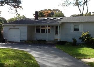 Casa en ejecución hipotecaria in Shirley, NY, 11967,  HESTON RD ID: P1182936
