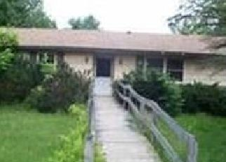 Foreclosed Home en MIDLINE RD, Amsterdam, NY - 12010