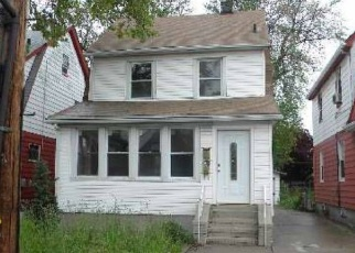 Foreclosed Home en 114TH AVE, Cambria Heights, NY - 11411