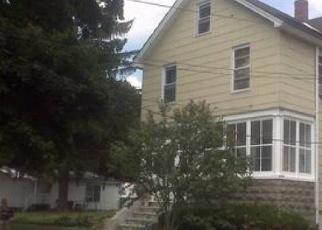Casa en ejecución hipotecaria in Newburgh, NY, 12550,  MAPLE ST ID: P1184573