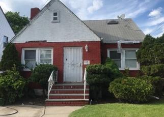 Foreclosed Home en OAK ST, West Hempstead, NY - 11552