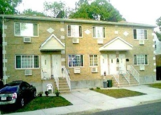 Foreclosed Home en 145TH DR, Springfield Gardens, NY - 11413