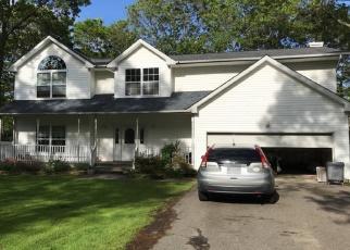 Foreclosed Home en SCRANTON AVE, Port Jefferson Station, NY - 11776