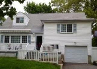 Casa en ejecución hipotecaria in Huntington Station, NY, 11746,  W 22ND ST ID: P1185572