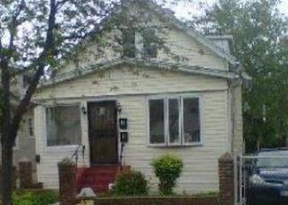Casa en ejecución hipotecaria in Jamaica, NY, 11433,  166TH ST ID: P1185875