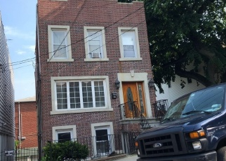Foreclosed Home en SCHLEY AVE, Bronx, NY - 10465