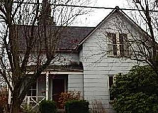 Casa en ejecución hipotecaria in Enumclaw, WA, 98022,  MARION ST ID: P1187311