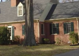 Foreclosed Home en NORTHAMPTON RD, Petersburg, VA - 23805