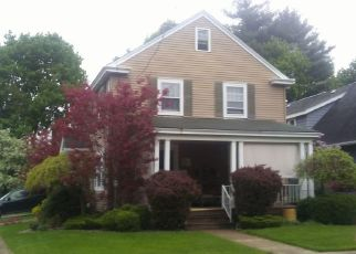 Foreclosed Home en BROOKLINE DR, Utica, NY - 13501