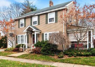 Foreclosed Home en BROOKLINE DR, Utica, NY - 13501