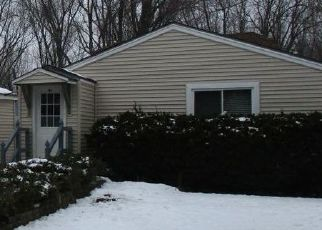 Foreclosed Home en SUNNYSIDE RD, Mchenry, IL - 60051