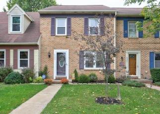 Casa en ejecución hipotecaria in East Petersburg, PA, 17520,  HOLLOW DR ID: P1191921