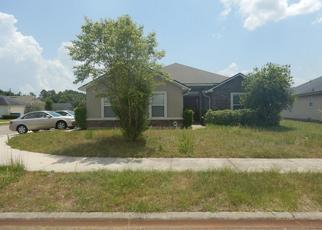 Foreclosed Home in HAYDEN LAKES CIR, Jacksonville, FL - 32218