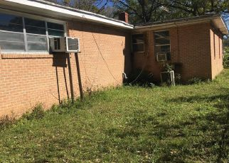 Foreclosed Home en DOBY ST, Jacksonville, FL - 32209