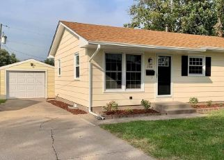 Foreclosed Home in W LAUREL ST, Davenport, IA - 52804