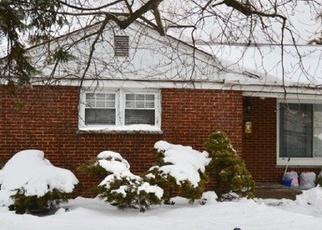 Casa en ejecución hipotecaria in Des Plaines, IL, 60018,  LEE ST ID: P1192780