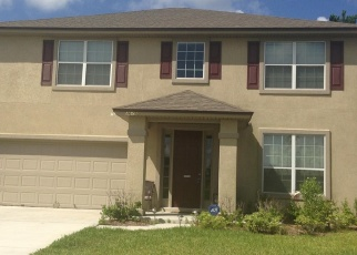 Foreclosed Home en SUMMIT OAKS DR, Green Cove Springs, FL - 32043