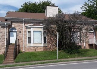 Foreclosed Home in KENDALL DR, Nashville, TN - 37209