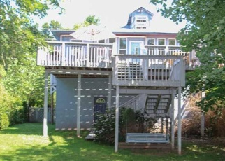 Foreclosed Home en W INDIAN LN, Norristown, PA - 19403