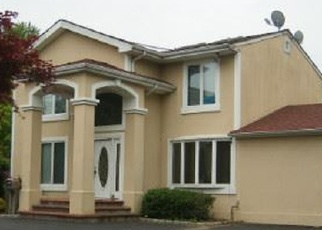 Foreclosed Home in COMMACK RD, Huntington Station, NY - 11746