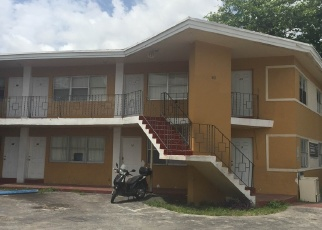 Foreclosed Home en NW 76TH ST, Miami, FL - 33150