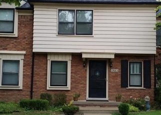 Foreclosed Home in FLEETWOOD DR, Harper Woods, MI - 48225