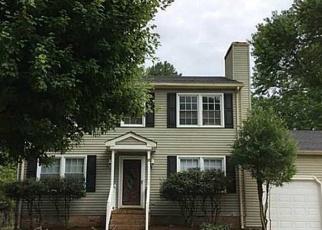 Foreclosed Home in KINGS LANDING LN, Hampton, VA - 23669