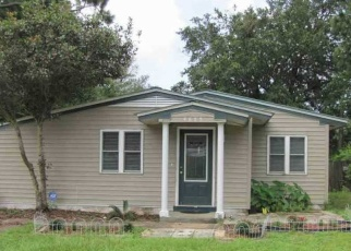 Foreclosed Home en KIMBERLY DR, Pensacola, FL - 32526
