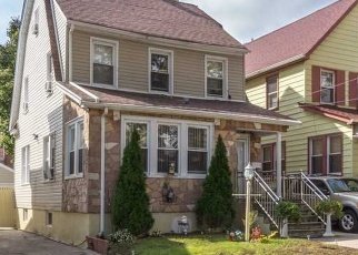 Foreclosed Home en 112TH AVE, Queens Village, NY - 11429