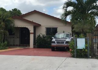 Foreclosed Home en E 30TH ST, Hialeah, FL - 33013