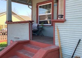 Foreclosed Home en 8TH AVE, Sacramento, CA - 95817